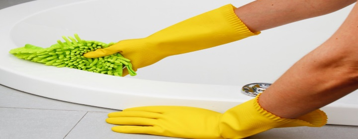 How to Clean a Bath
