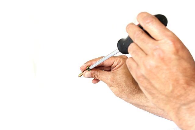 screwdriver-1008970_640
