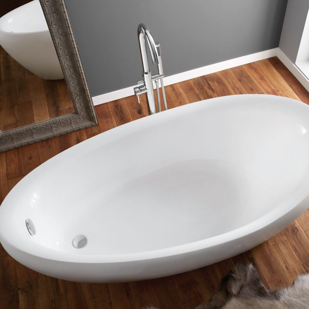 april-horbury-thin-rim-freestanding-bath-74001-1750b-overhead