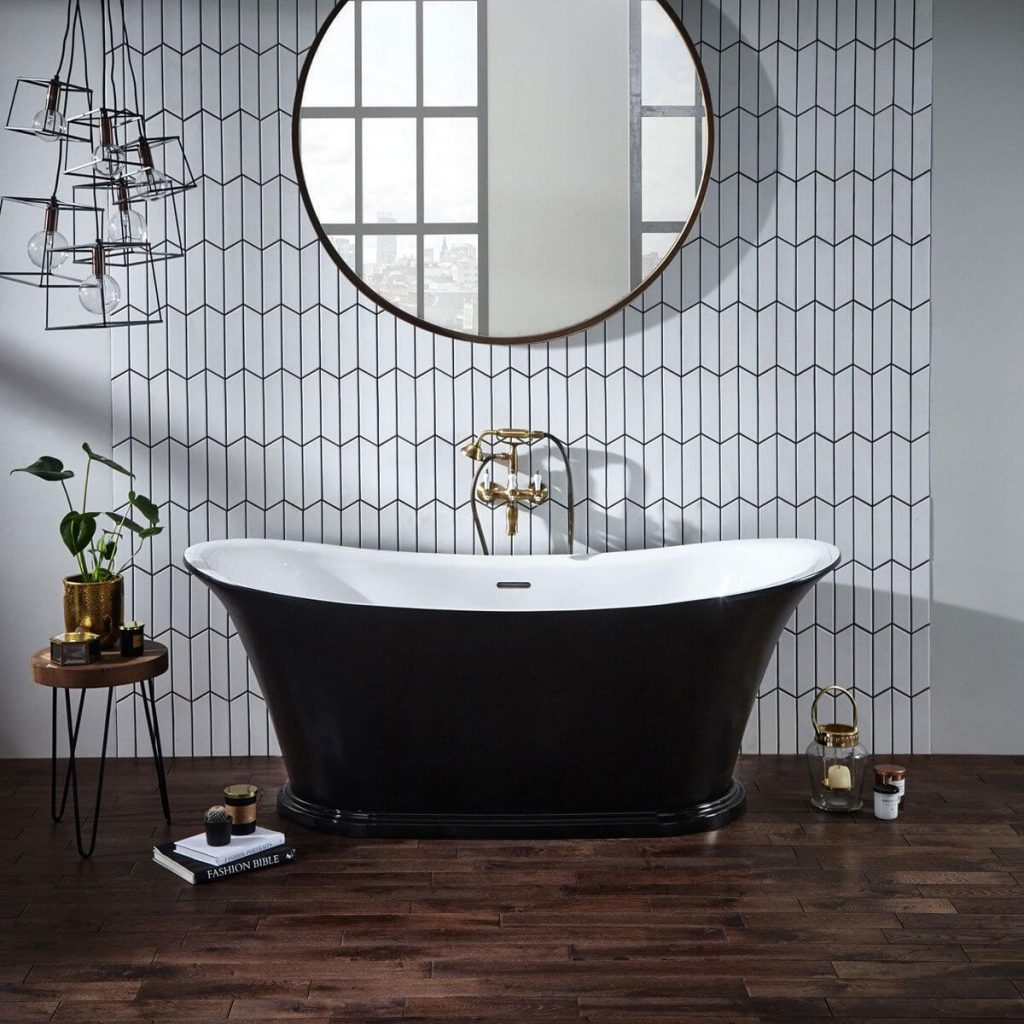 frontline-holborn-freestanding-bath-with-black-plinth