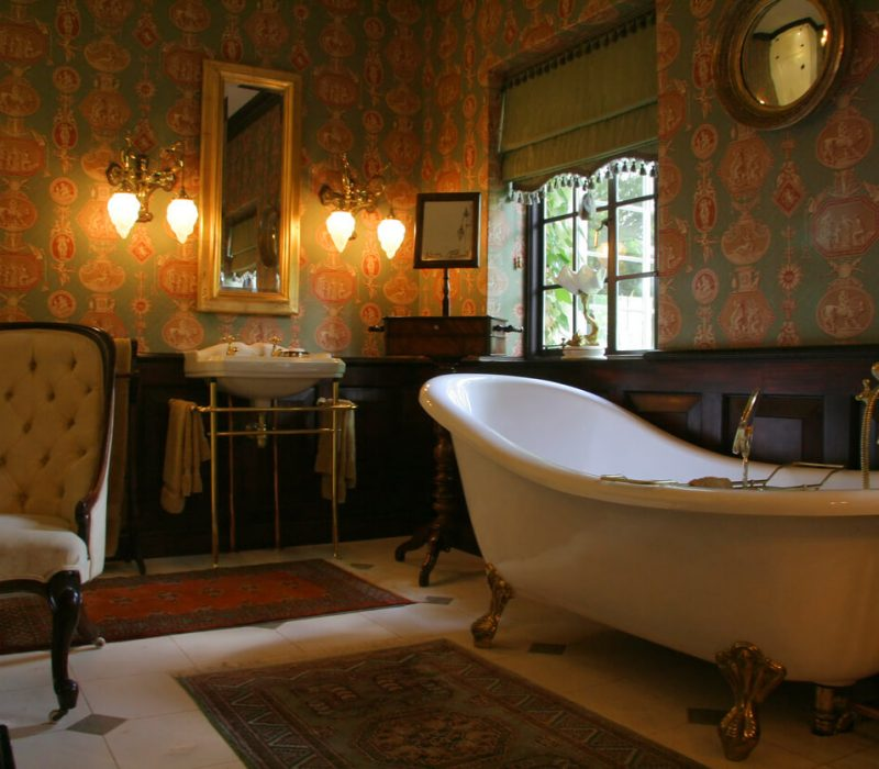 An old style luxury Edwardian bathroomin a colonial house of the suburbs