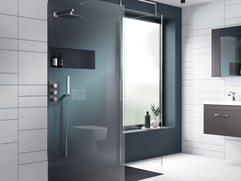 Wet room with easy access for wheelchair