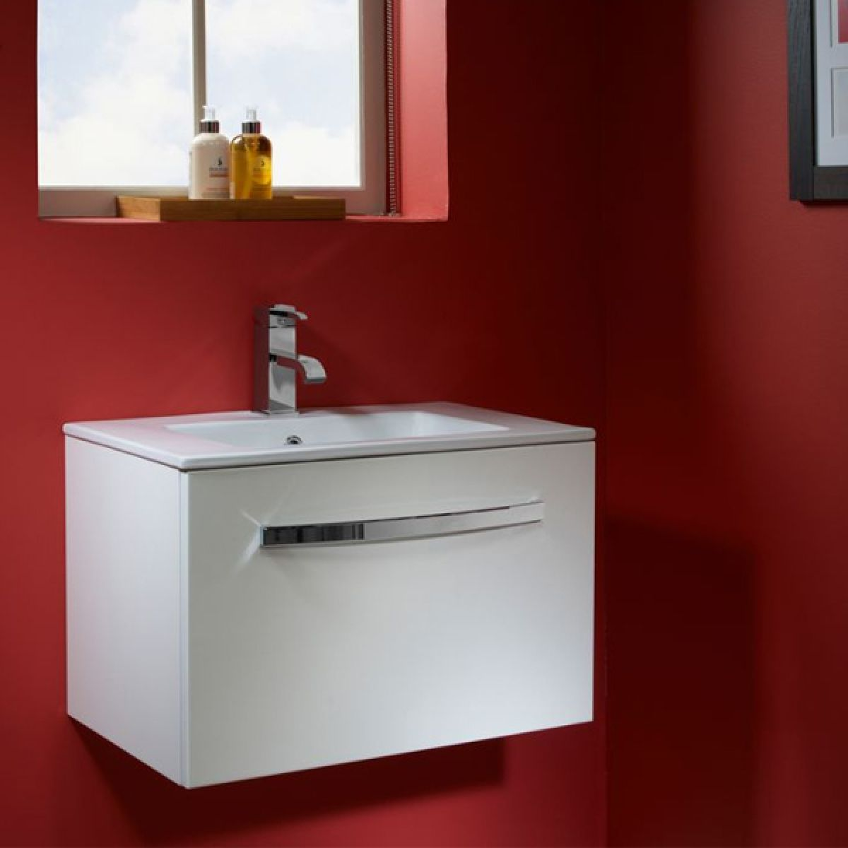 Tavistock Swift White Wall Mounted Vanity Unit 600mm Lifestyle