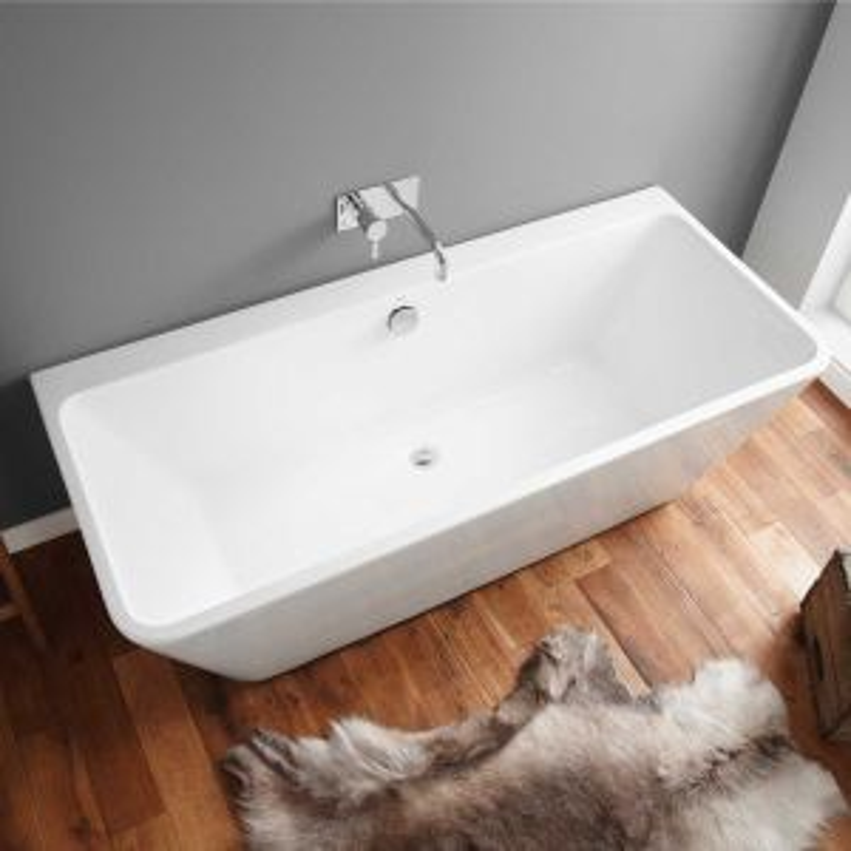 April Eppleby Thin Rim Freestanding Bath 1700mm Overhead