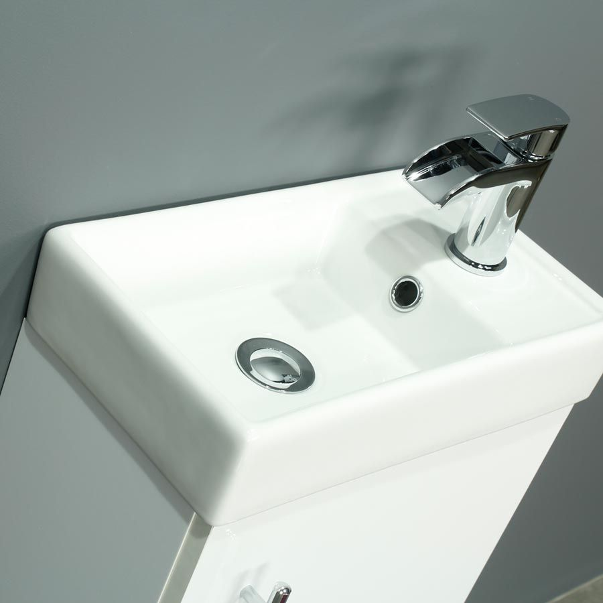Cassellie 400 Series Gloss White Single Door Vanity Unit Basin