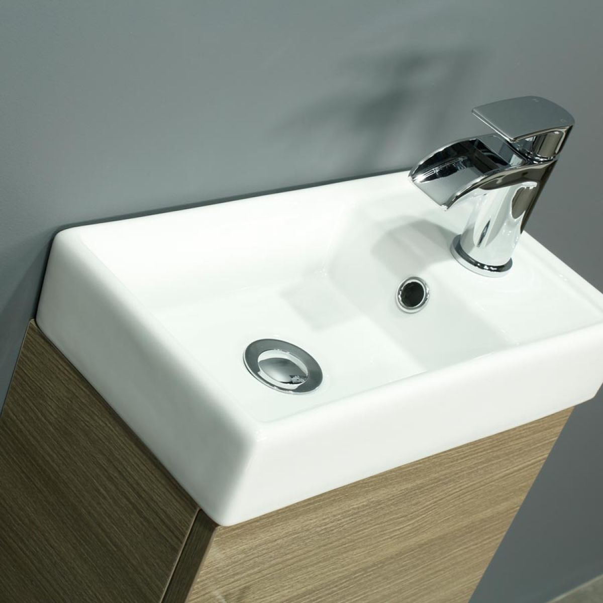 Cassellie 400 Series Medium Oak Single Door Vanity Unit Basin