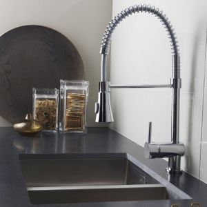 Nuie Pull Out Kitchen Mixer Tap with Rinser 1