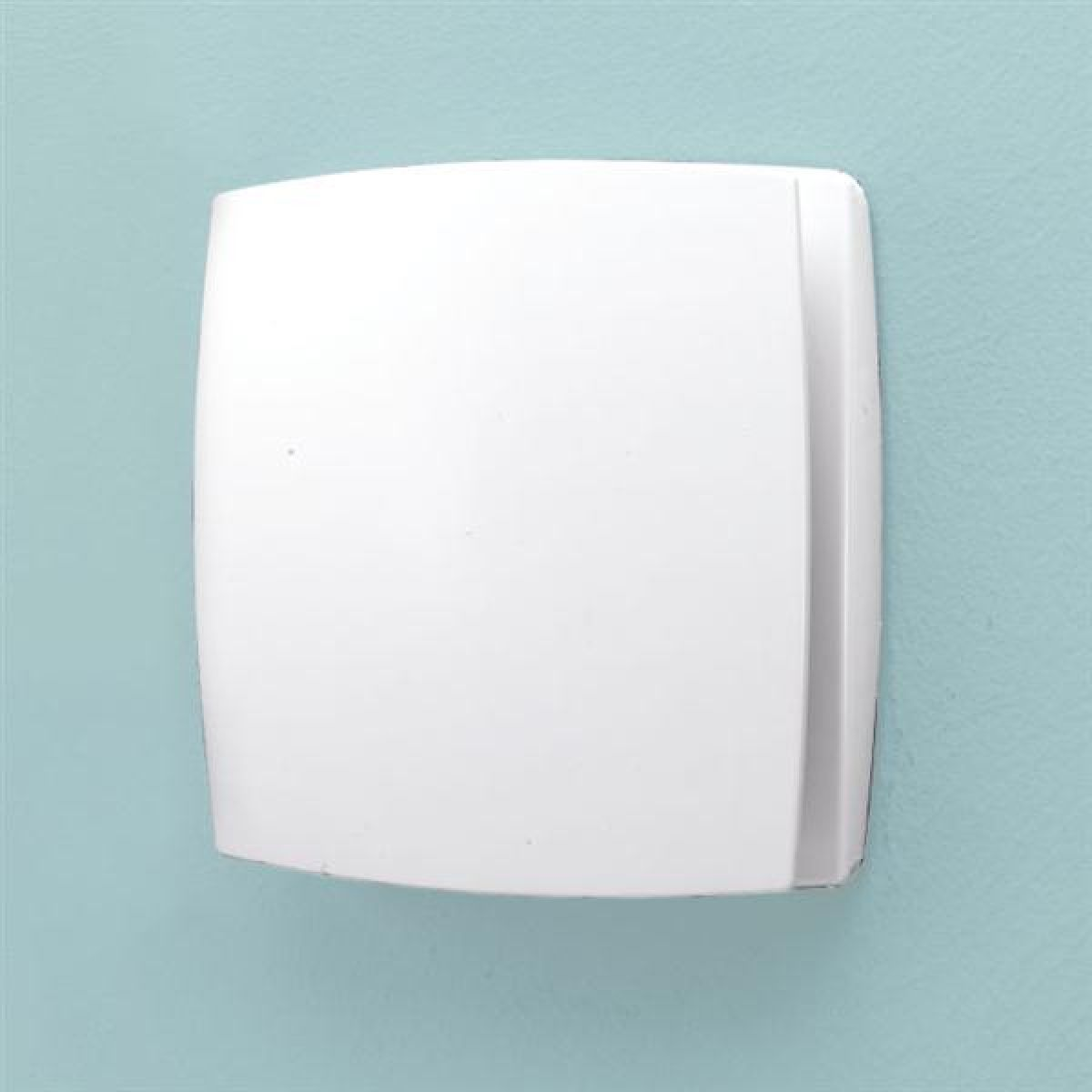 HiB Breeze Wall Mounted Wetroom Extractor Fan with Humidity Sensor in White