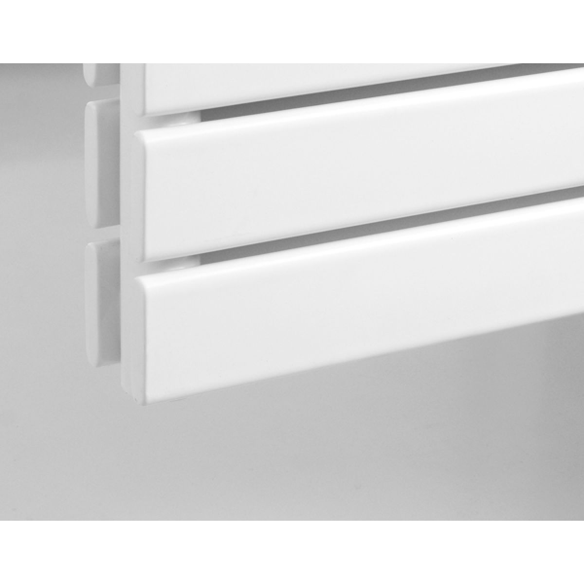 Rione Double White Electric Horizontal Radiator 550 x 800mm Detail 1