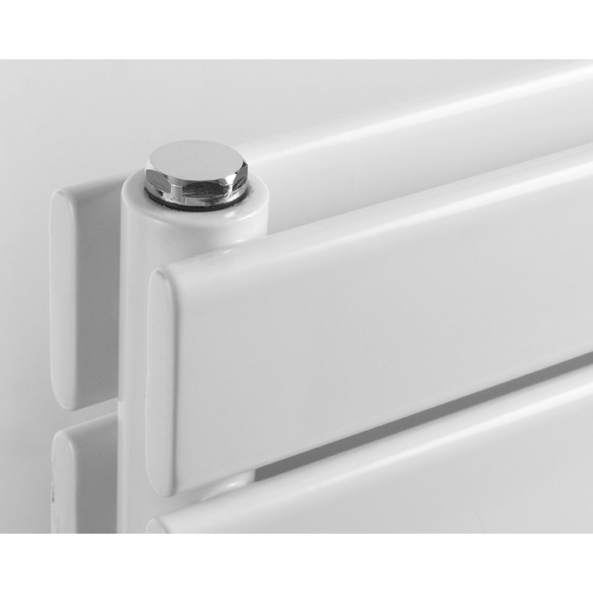 Rione Double White Electric Horizontal Radiator 550 x 800mm Detail 2